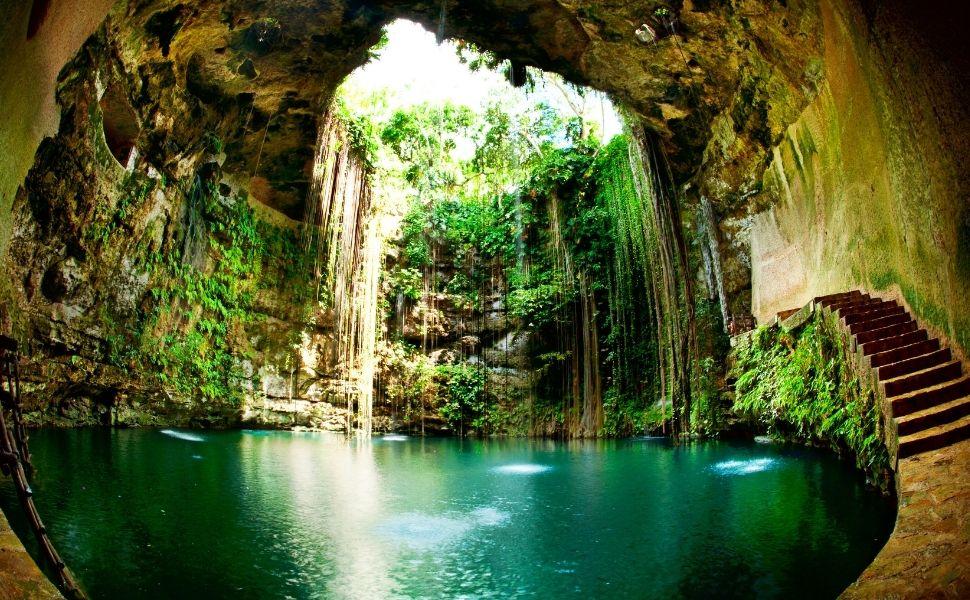 Cenote Ik-Kil en Riviera maya